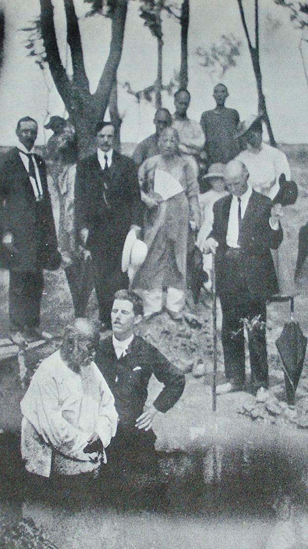1908年,一名79歲的中國穆斯林受洗禮,推測在河南鄭州。圖片來自海恩波《伊斯蘭教在中國》。