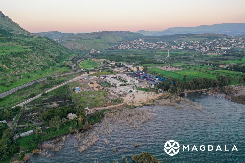 俯視加利利海岸馬格達拉城風景。(圖/FB @experiencemagdala)