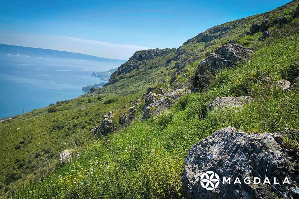 馬格達拉城是個靠山沿海的城市。(圖/FB @experiencemagdala)