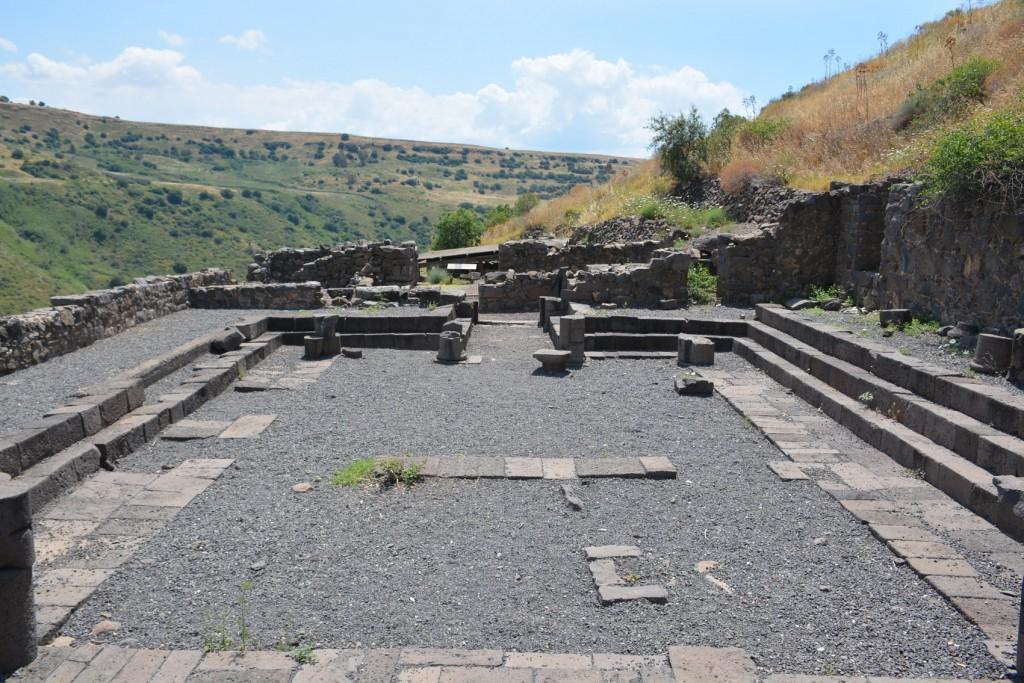 ↑耶穌時期的猶太會堂遺跡