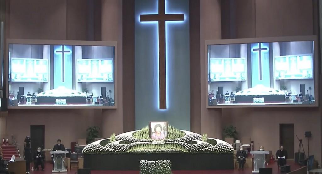 金聖惠總長「歡送天國禮拜」在韓國汝矣島純福音教會舉行。(圖/截取直播圖片)