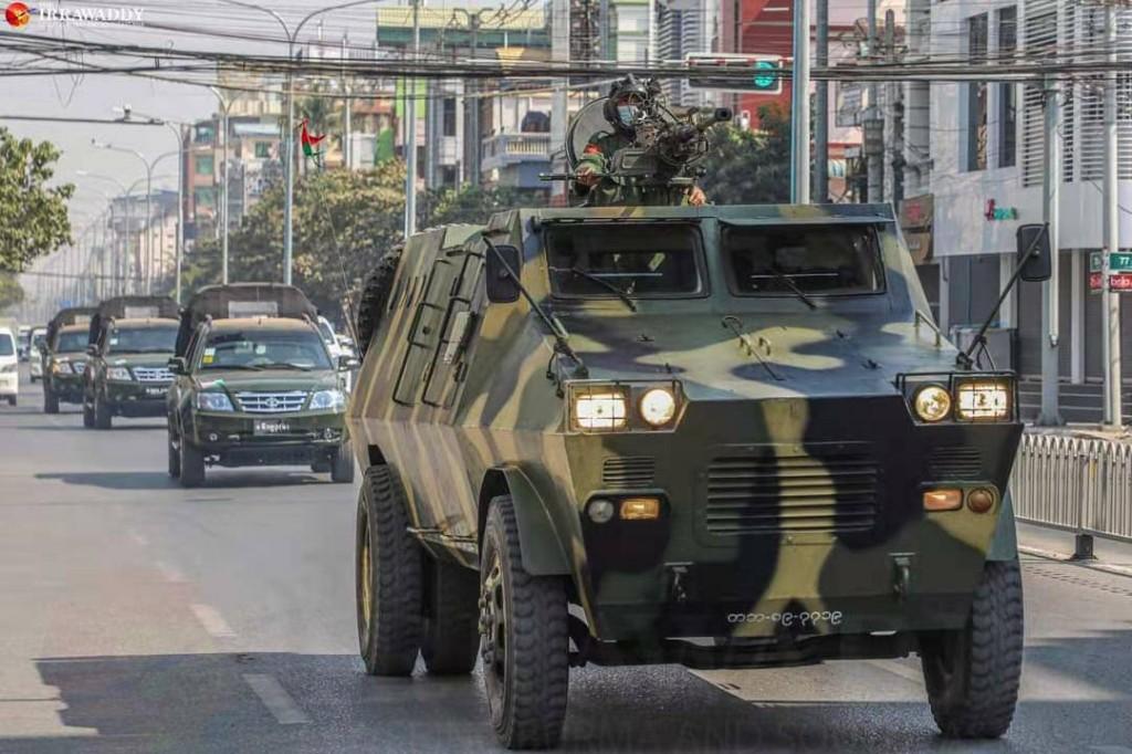 軍隊進到邊境情勢緊張(圖/魯瑪夫提供)