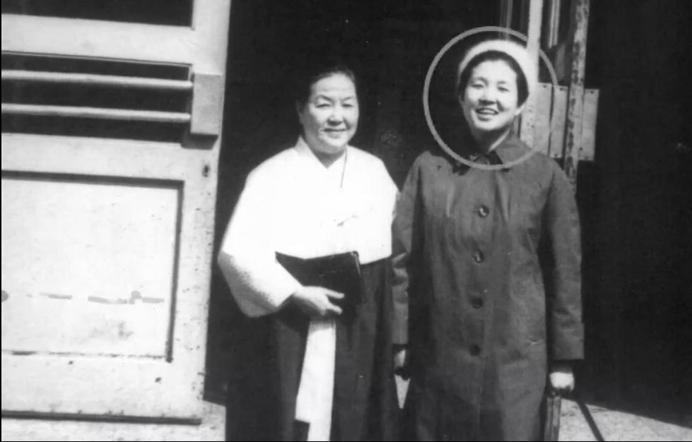 金聖惠和母親