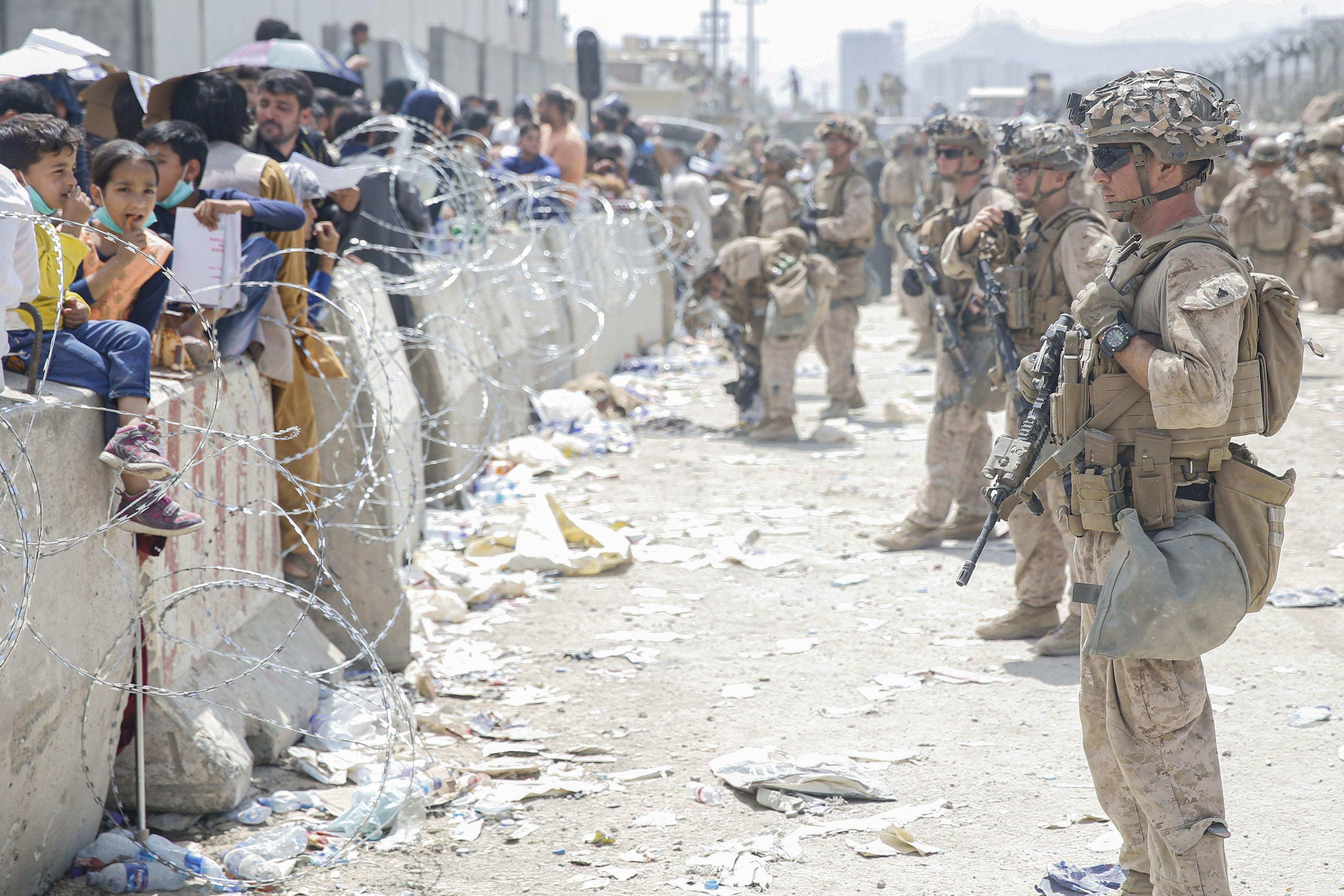 阿富汗情勢緊張,服役軍人枕戈待旦。(圖/翻攝自Twitter@USMC)